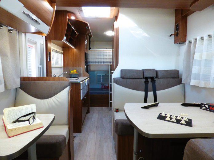 MotorHome Rent Salon Camping-car Profile Premium 6 2018 PPL