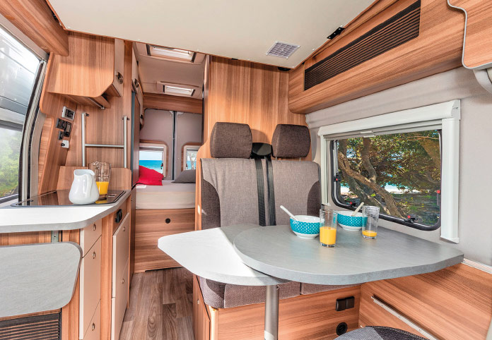 MotorHome Rent Salon Fourgon Premium 2018 FG